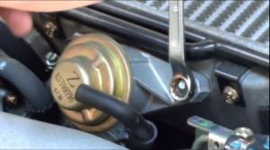インタークーラの接続ボルトを12mmで外す