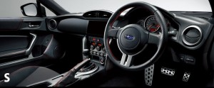 グレードSの運転席