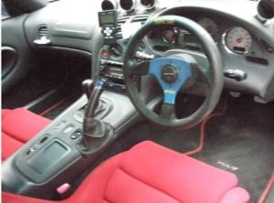 FD3S中古車の運転席