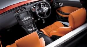 6MT車の運転席