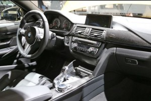 M4クーペ助手席から見た写真