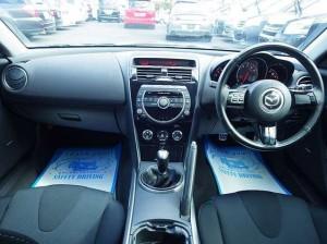 5MT運転席
