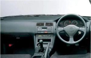 S14の運転席
