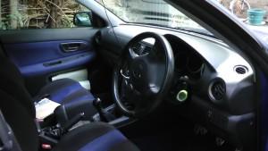 GDA鷹目の運転席
