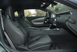 2014カマロ運転席助手席シート