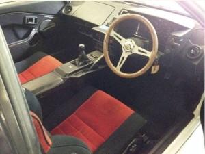 AW11型運転席