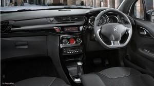 DS3運転席