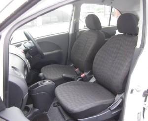 HA4Wの運転席写