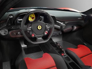 458Speciale 運転席