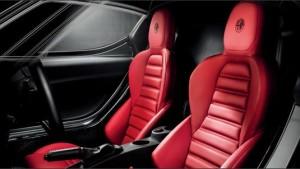 4C運転席と助手席シート