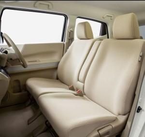 N-BOX スラッシュの運転席と助手席